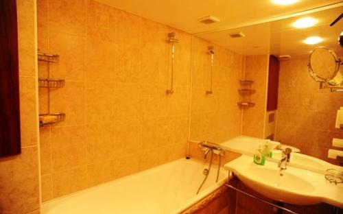 two_level_apartment_in_kiev Pushkinskaya 9a