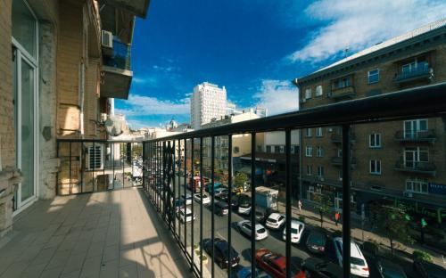 vip-apartment_shota_20_balcony_view.jpg