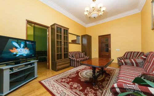 khreshatyk23_apartment_kiev.jpg