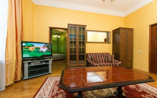 khreshatyk23_apartment_kiev_2.jpg